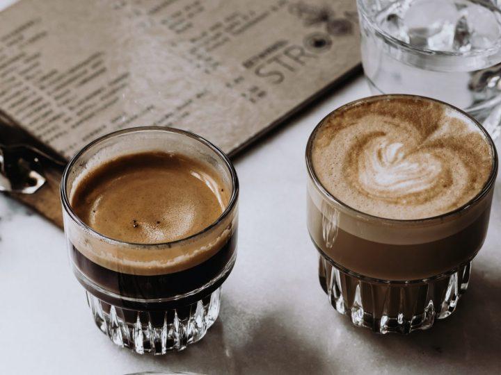 Nog even een keer alle koffiesoorten op een rij: wat is nou eigenlijk precies het verschil tussen een cappuccino en een flat-white?